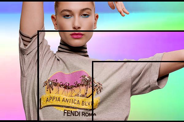 0a8d9b11a8517 フェンディ新作Tシャツ「ポップツアー」ヤシの木のビーズ刺繍 ローマ各所の名称にちなんだ6種