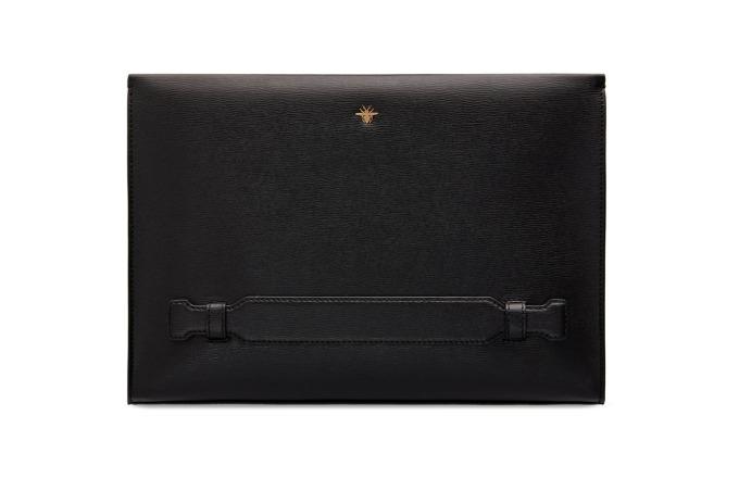 ハンドル付きクラッチバッグ(30x20cm) 99,000円<ハウス オブ ディオール ギンザ 先行>