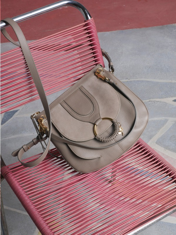 HANA – tote bag  65,000円+税