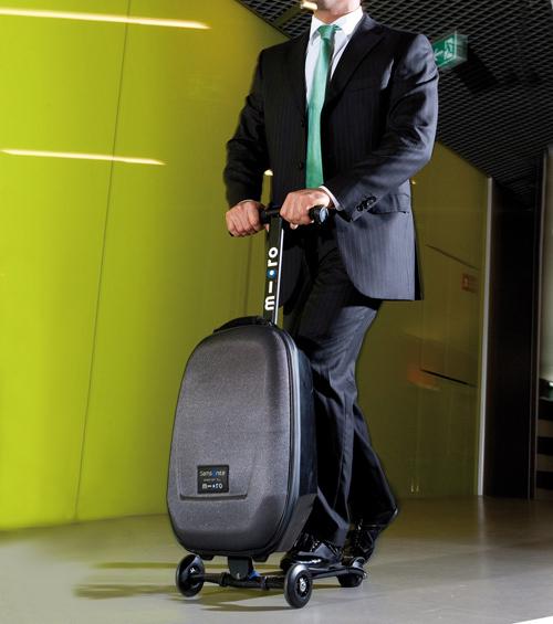 34786457f0 乗って運べるスーツケース「マイクロ・ラゲッジ(Micro Luggage)」 - 画像 ...