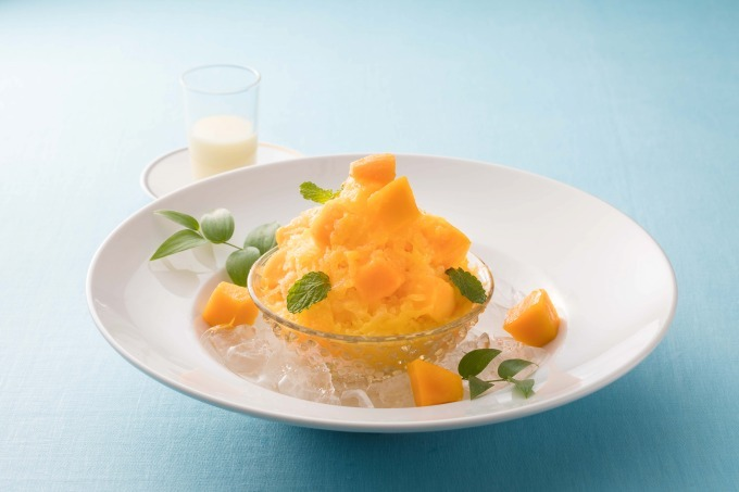 ザ・キャピトルホテル 東急、練乳をかけて楽しむかき氷「フローズンオレンジ withマンゴー」