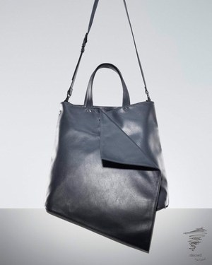 W300 18aw leathertote blk