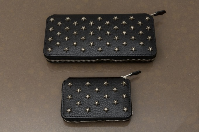 LONG ZIP WALLET (STAR STUDS) 84,000円+税、SHORT ZIP WALLET (STAR STUDS) 38,000円+税