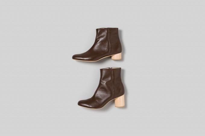 上) wood heel boots 35 62,000円+税 下) wood heel boots 65 66,000円+税