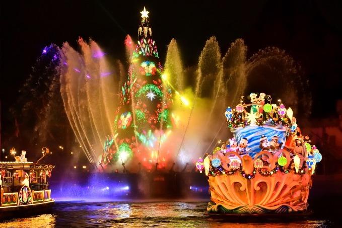 東京ディズニーランドシーのディズニークリスマス35周年を祝う