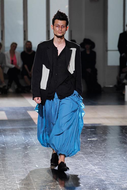 https://www.fashion-press.net/img/news/4297/yohjiyamamotoMen_2013ss_09.jpg