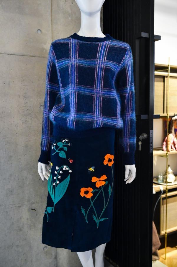レザースカート 78,000円+税