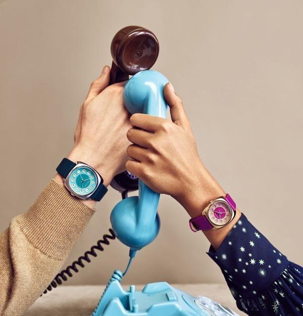 """ポール・スミス ウォッチ、""""古い電話機""""着想のレトロモダンなペアウォッチ"""