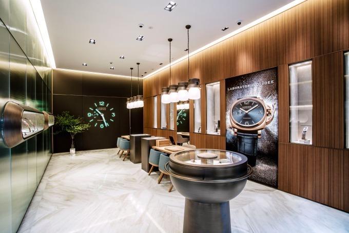 on sale ac279 b0a53 フィレンツェ発の時計ブランド「パネライ」銀座店がリニューアル ...