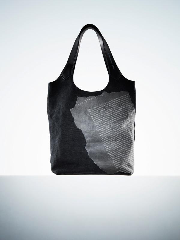 <ディスコード ヨウジヤマモト>プリントペーパーを配した麻帆布トートバッグ