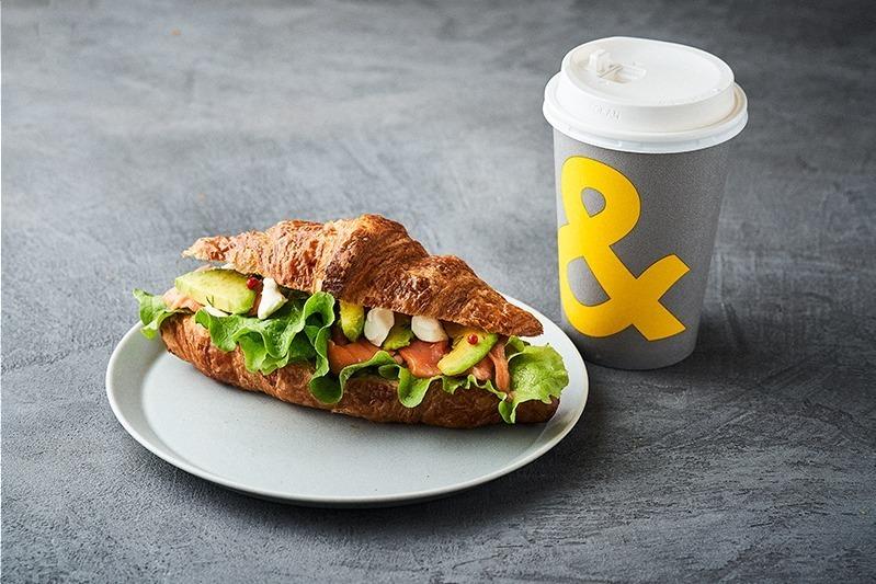 四条&三条エリア:人気カフェ「アンドコーヒーメゾンカイザー」