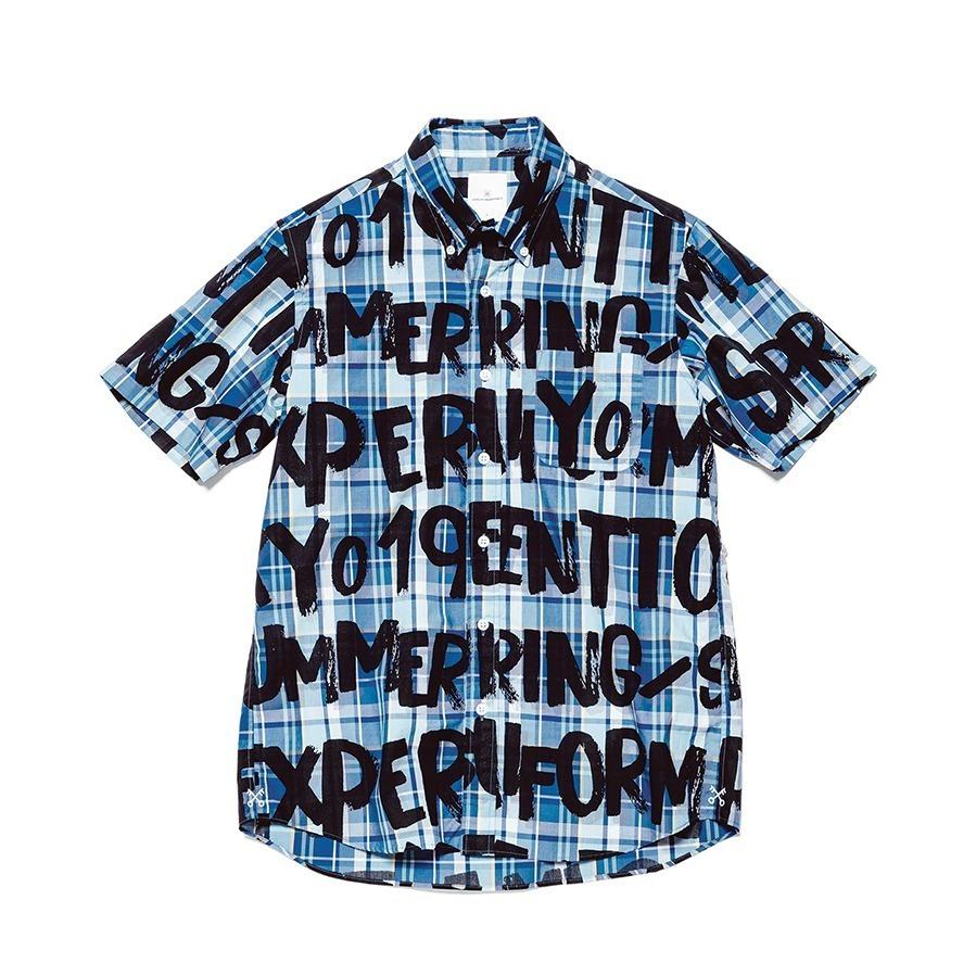 〈ユニフォーム エクスペリメント〉大胆グラフィティプリントのボタンダウンシャツ