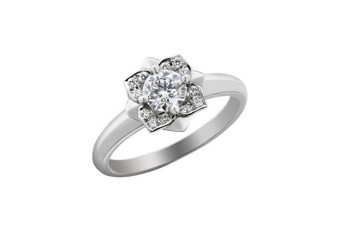 アジサイ ダイヤモンド 0.15ct〜 238,000円+税〜