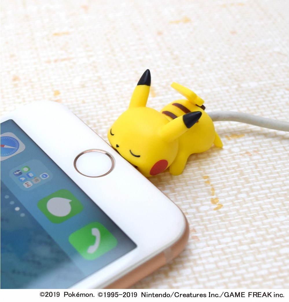 ピカチュウピチューがガブっと噛みつき断線防止iphone用