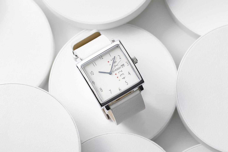 """6a63e34de3 ノーマンデー」の腕時計がヒロブから、""""月曜から数えて""""曜日を示す人気 ..."""