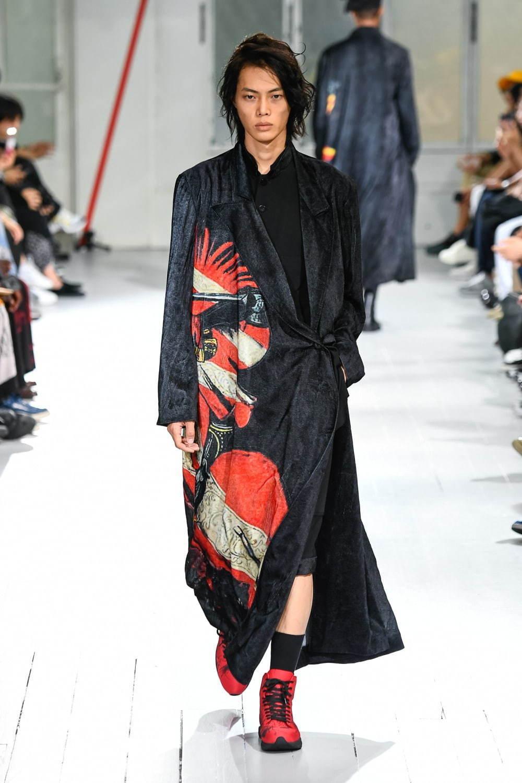 https://www.fashion-press.net/img/news/51067/yohji_20ss_men_91.jpg