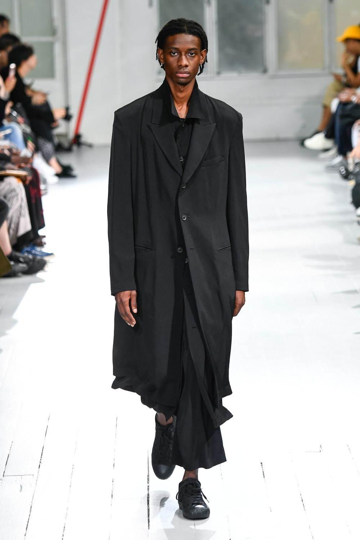 https://www.fashion-press.net/img/news/51067/yohji_20ss_men_99.jpg