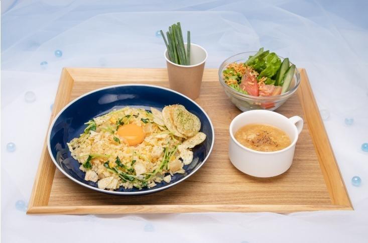 天気の子カフェ」表参道・大阪で、\u201c陽菜お手製\u201dチャーハンや
