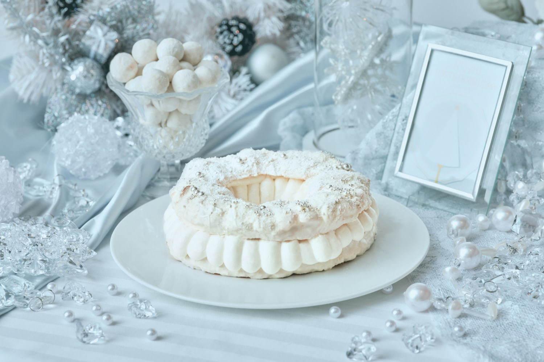 """ホワイトクリスマス""""イメージの純白クリスマスデザートビュッフェ が ..."""