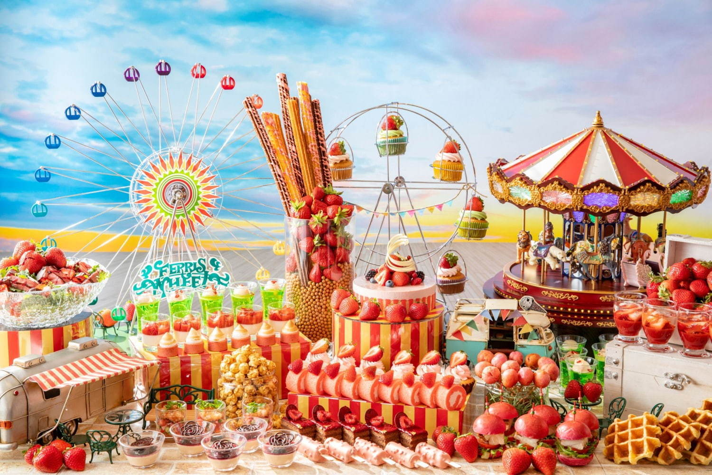 <コンラッド東京>「ストロベリー・カーニバル・スイーツビュッフェ」カラフルないちごムースやロールケーキ