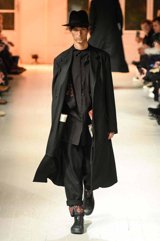 https://www.fashion-press.net/img/news/57360/yohji_20aw_men_30.jpg