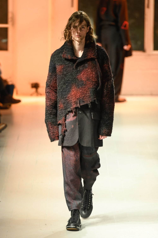 https://www.fashion-press.net/img/news/57360/yohji_20aw_men_61.jpg