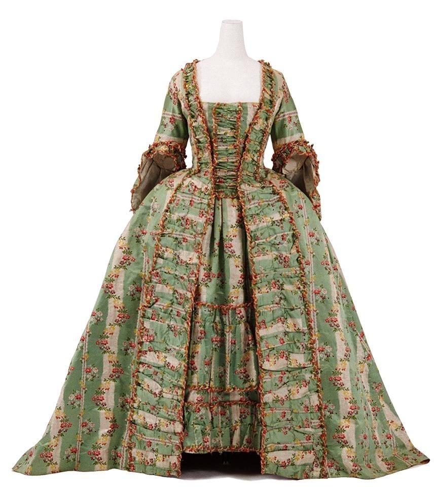 文化学園服飾博物館「ヨーロピアン・モード」展、女性モード服の約250 ...