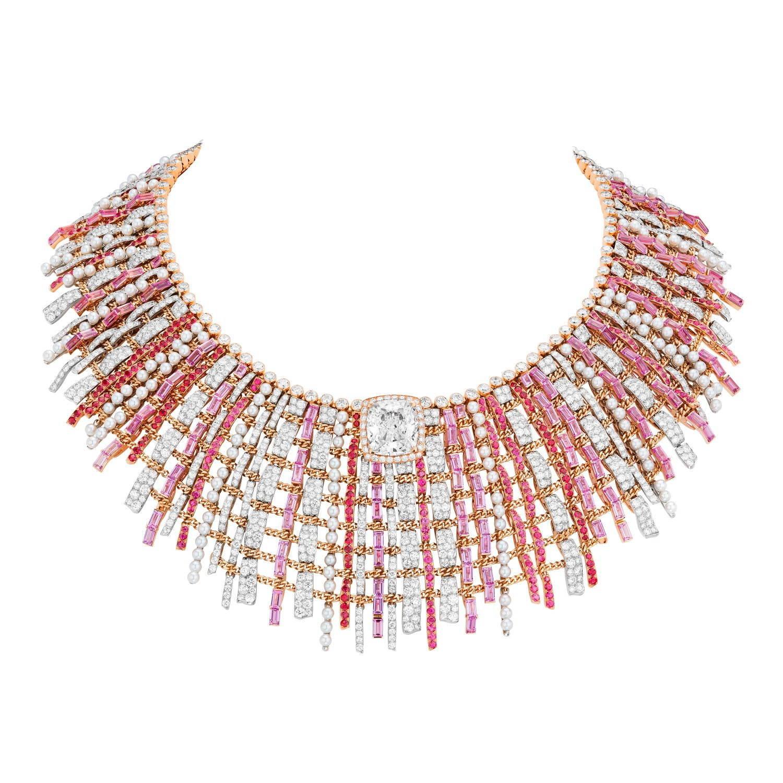 「ツイード クチュール」ネックレス プラチナ、ピンクゴールド、10.2ct クッションカット ダイヤモンド、ダイヤモンド、ピンクサファイア、スピネル