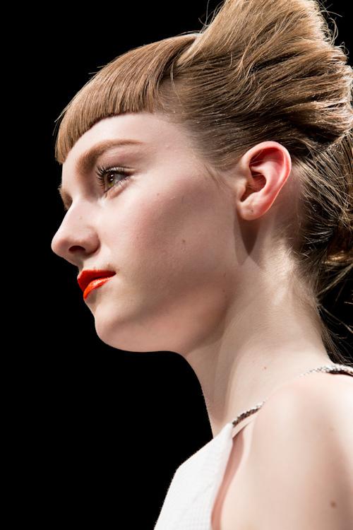 パリ、ミラノ、ロンドン、ニューヨーク、そして東京で幾多もの有名ブランドのランウェイショーのメイクアップを手がけるM·A·Cに、2013年春夏のメイクアップトレンドを