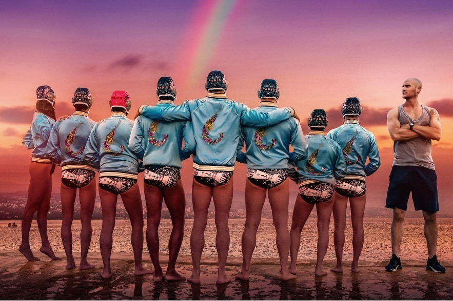 仏映画『シャイニー・シュリンプス』ゲイの弱小水球チームの奮闘劇をコミカルに描く