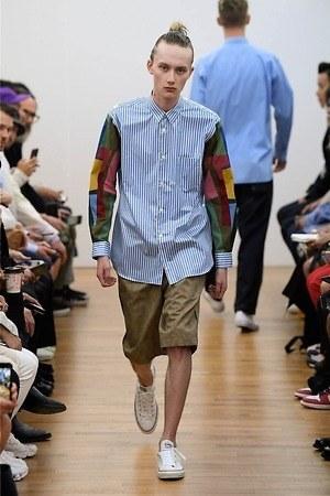 ショートパンツのおすすめメンズ春夏コーデ15選 ひざ丈ハーフパンツの大人 おしゃれな着こなし術 ファッションプレス