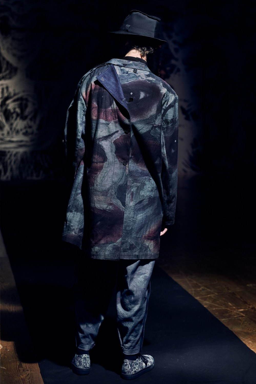 https://www.fashion-press.net/img/news/62546/yohjiyamamoto_2021SS_034.jpg
