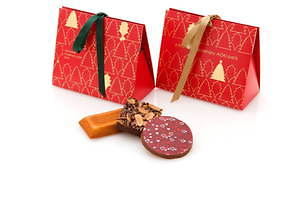 サダハル・アオキのクリスマス2020、ピスタチオ×ショコラのモミの木型ケーキ&イチゴのマカロンケーキ 画像8