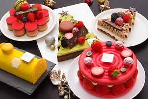 サダハル・アオキのクリスマス2020、ピスタチオ×ショコラのモミの木型ケーキ&イチゴのマカロンケーキ 画像1