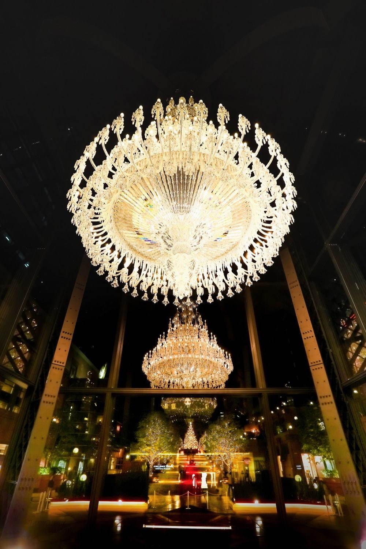"""恵比寿ガーデンプレイスで""""世界最大級""""バカラシャンデリアのライトアップ"""