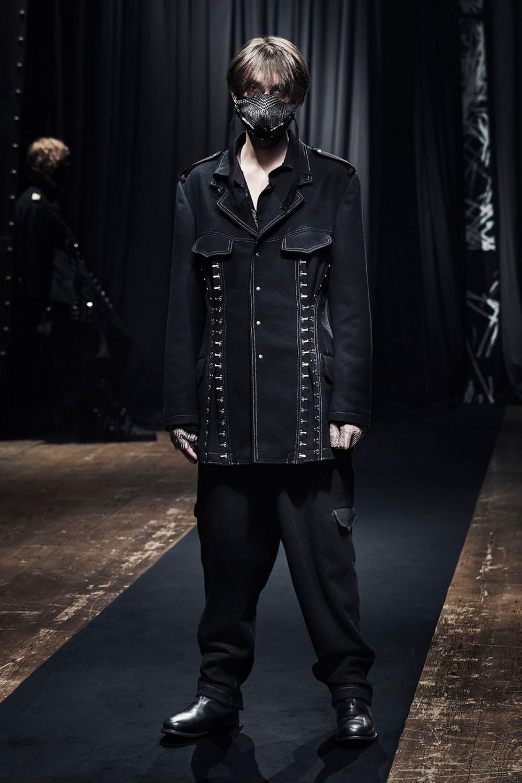 https://www.fashion-press.net/img/news/69108/yohji_21aw_men_15.jpg