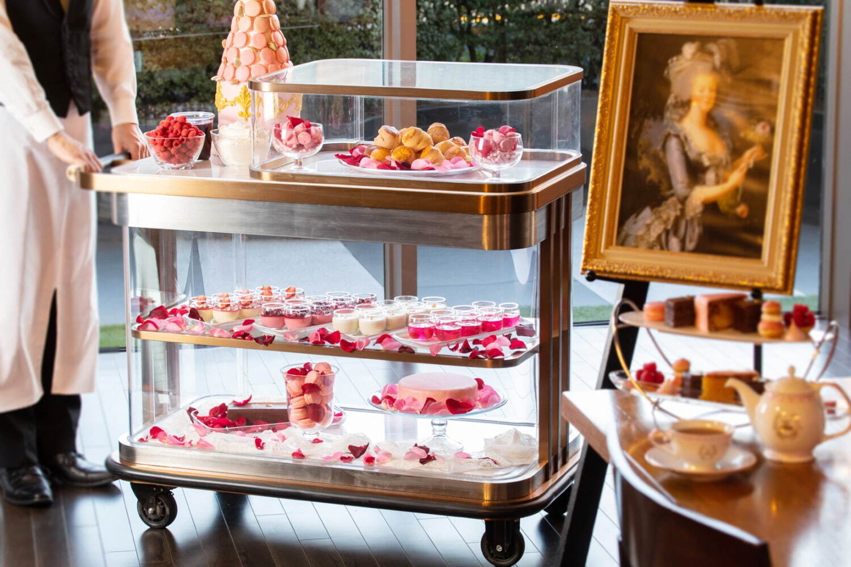 グランド ハイアット 東京「マリー・アントワネット」アフタヌーンティー、王妃が愛した林檎&薔薇ケーキ - 写真4