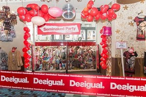 W300 seminaked party by desigual 9