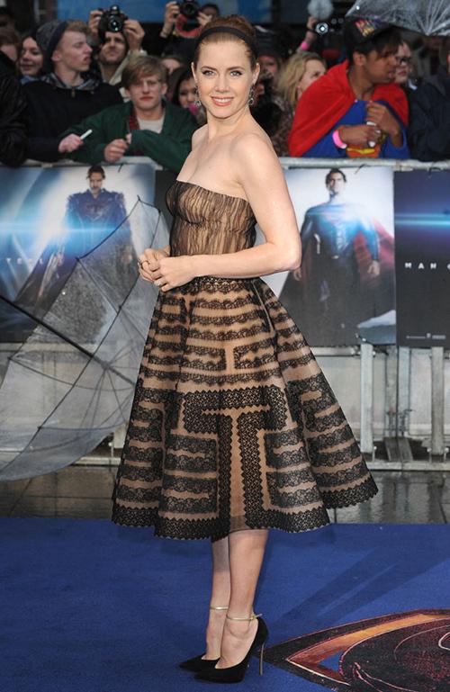 エイミー・アダムス、映画「マン・オブ・スティール」の欧州プレミアで ...