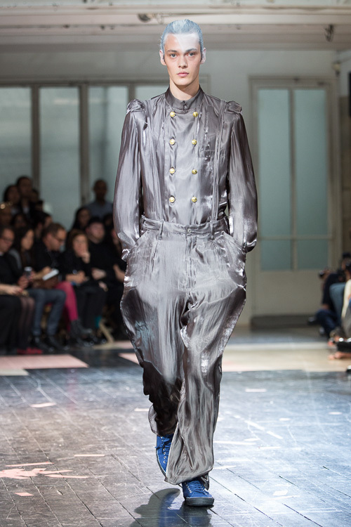 https://www.fashion-press.net/img/news/7188/yohjiyamamoto_mens_14ss_23.jpg