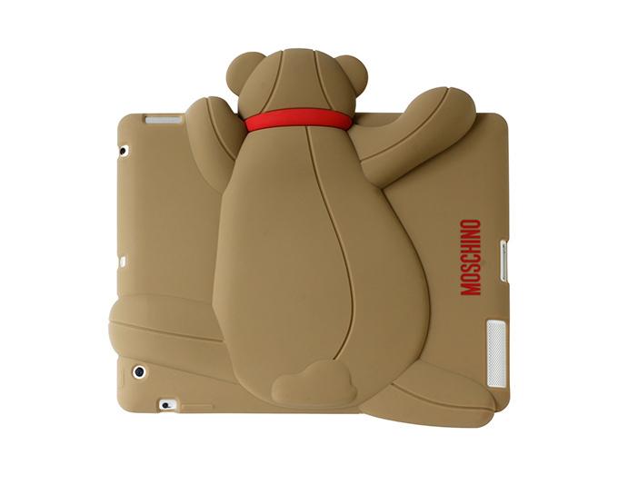 モスキーノのiPhoneケース、クマの「ジェンナリーノ君」に新色&iPadケースも登場