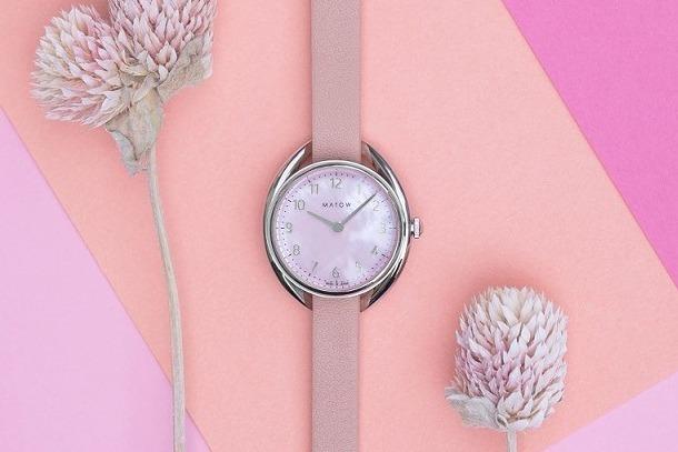 """日本発腕時計「マトウ」から""""牡丹色""""文字盤の新作、花に着想を得たベルトで自由に着せ替え"""