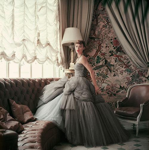 ディオールが1950年代に刻んだもの - 写真集「Dior Glamour Mark Shaw ...