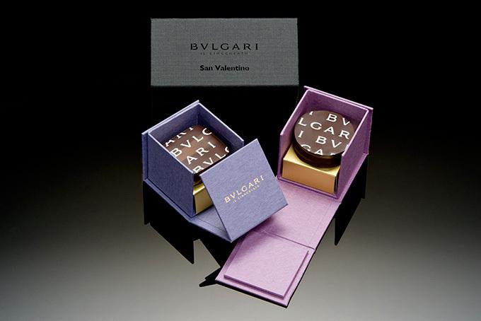 """ブルガリのバレンタイン限定チョコレートは""""彼""""と""""彼女""""のためのスペシャルボックス"""